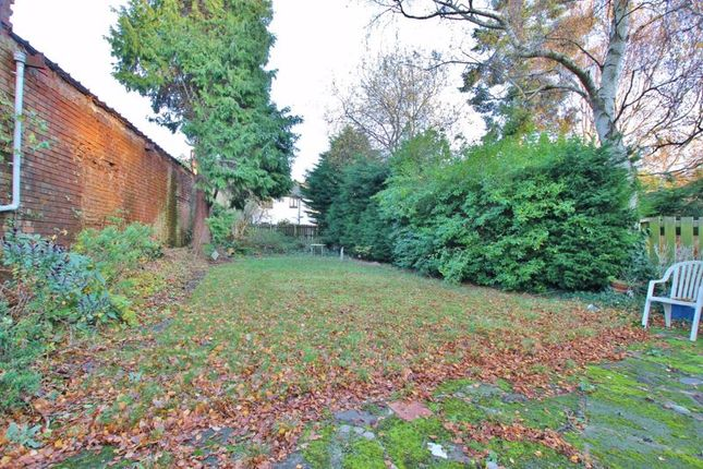 Photo 13 of Palm Grove, Oxton, Wirral CH43