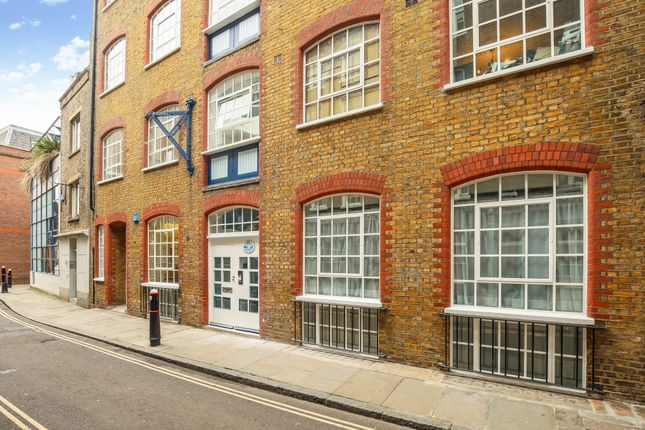 2 bed flat for sale in Middle Street, London EC1A