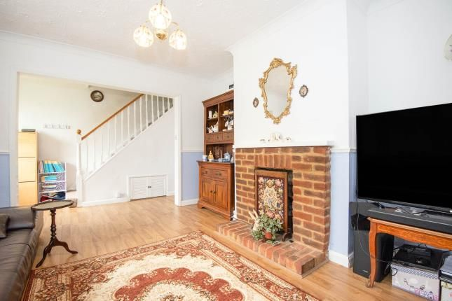 Living Room of Hereford Way, Chessington KT9