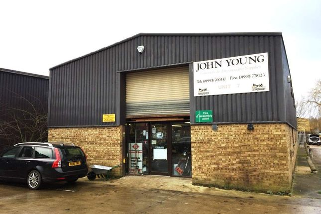 Thumbnail Commercial property for sale in Witney OX28, UK