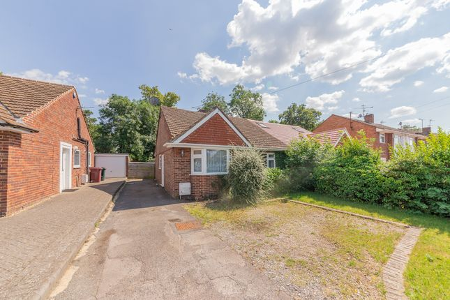 2 bed bungalow for sale in Winton Road, Reading, Berkshire RG2