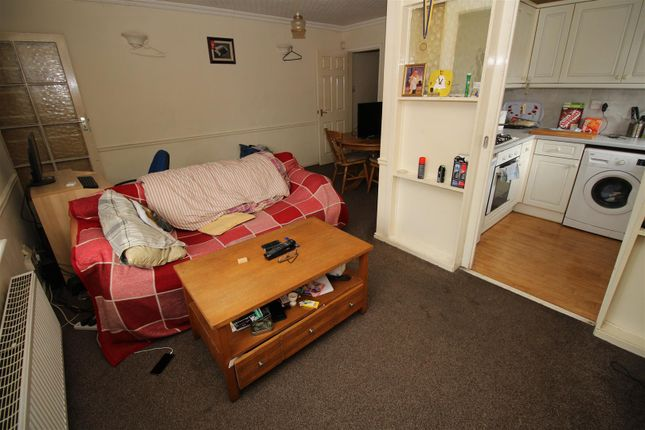 Bessell lane stapleford nottingham ng9 2 bedroom for Bedroom zone nottingham