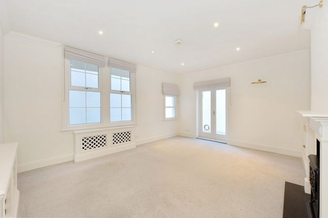 Thumbnail Flat to rent in St George's Square, Pimlico