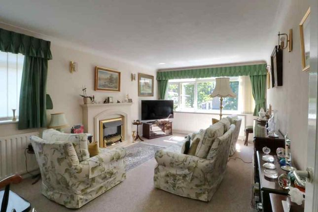 Living Room of St. James Road, Sutton SM1
