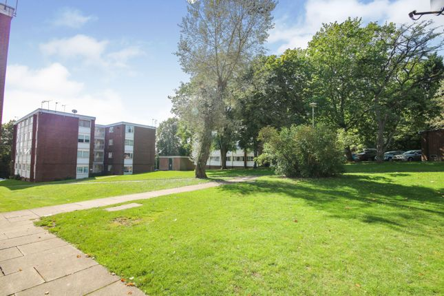 Communal Gardens of Abbey Court, Coventry CV3