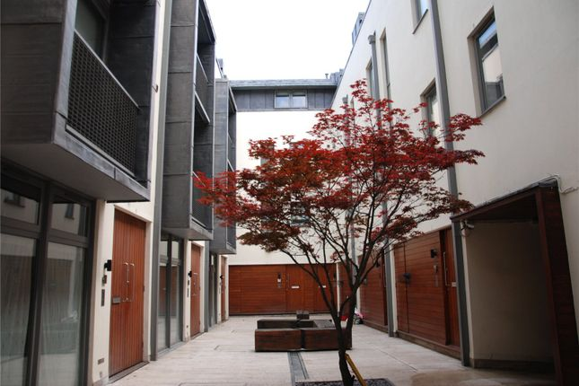 Picture No. 15 of The Theater Courtyard, 1 New Inn Yard, London EC2A