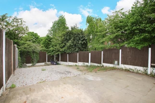 Picture No.06 of Larkhill Close, Parkgate, Rotherham, South Yorkshire S62