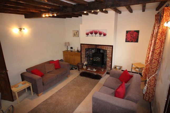 Thumbnail Cottage to rent in Sandy Lane, Higher Kinnerton, Chester