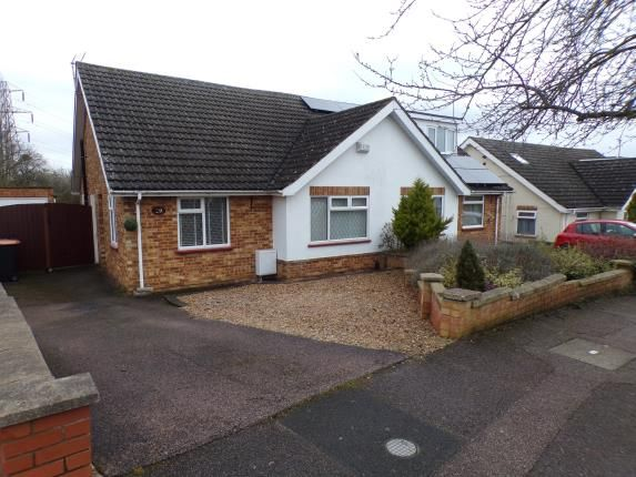 Bungalow for sale in Curlew Cresent, Brickhill, Bedford, Bedfordshire