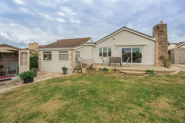Thumbnail Bungalow for sale in Sarum Way, Calne