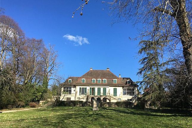 Thumbnail Property for sale in By The Lake Side, Prangins, Canton De Vaud, Switzerland