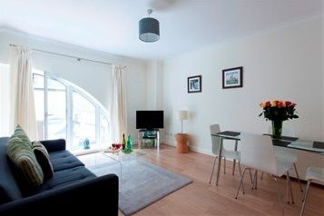 1 bed flat to rent in EC3R