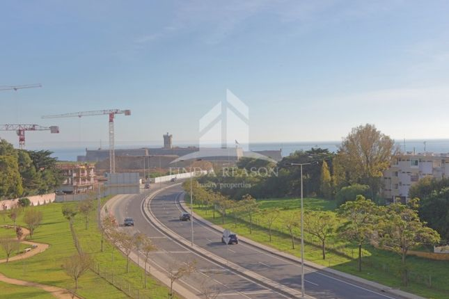 4 bed apartment for sale in Carcavelos E Parede, Carcavelos E Parede, Cascais
