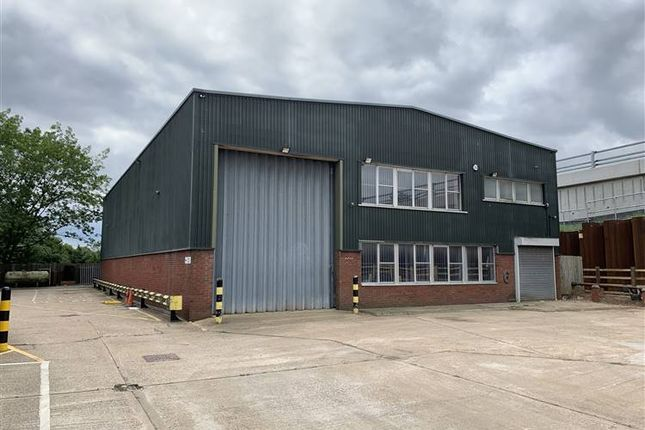 Thumbnail Warehouse to let in Unit 6 Priors Way Industrial Estate, Priors Way, Maidenhead