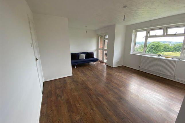 2 bed flat to rent in Turners Hill, Hemel Hempstead HP2