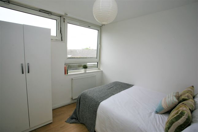 Shared accommodation to rent in Ebley Close, London