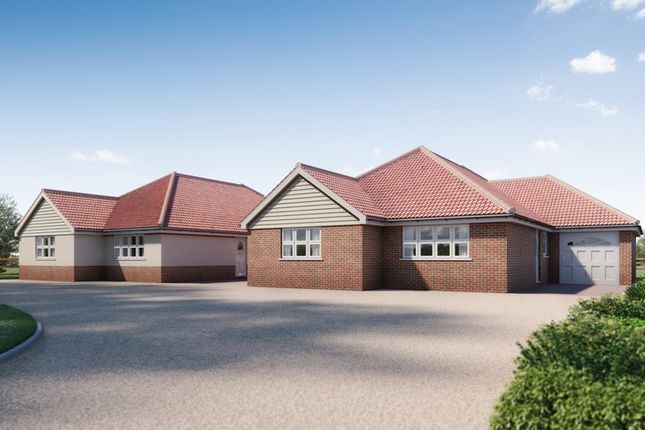 Thumbnail Detached bungalow for sale in Thorpe Road, Kirby Cross, Frinton-On-Sea