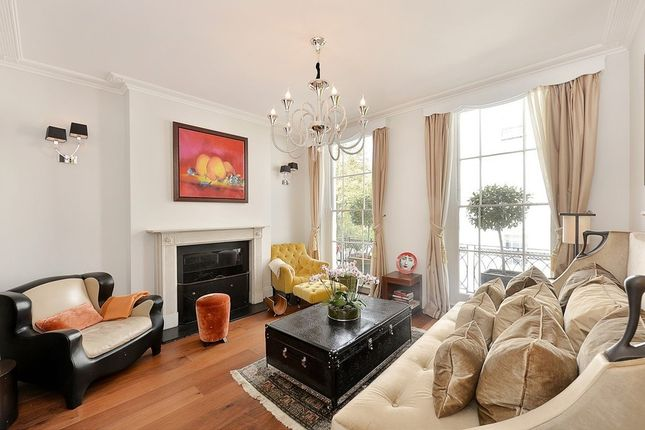 Thumbnail Property to rent in Cadogan Place, Belgravia
