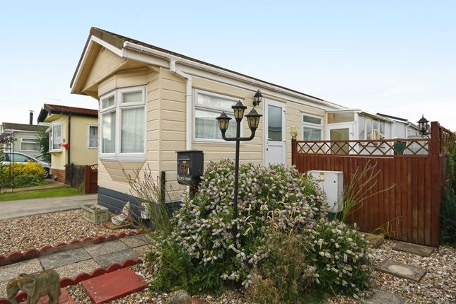 Thumbnail Mobile Park Home For Sale In Hockley Homes Lower Road