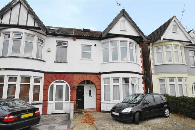 Flat for sale in Claremont Road, Westcliff-On-Sea, Essex