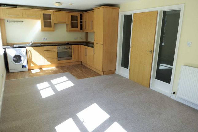 Thumbnail Flat to rent in Turncroft Lane, Offerton, Stockport