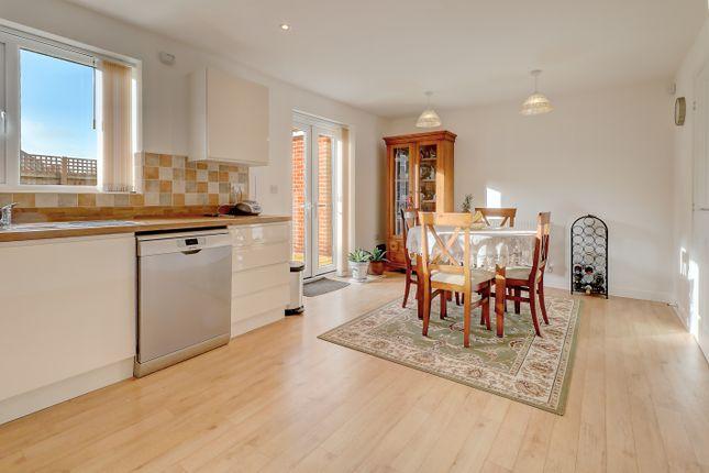 Kitchen:Dining Room