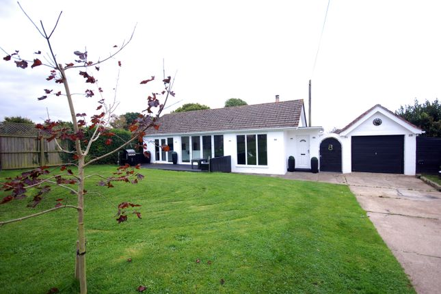 Thumbnail Bungalow for sale in Wyatts Lane, Cowes