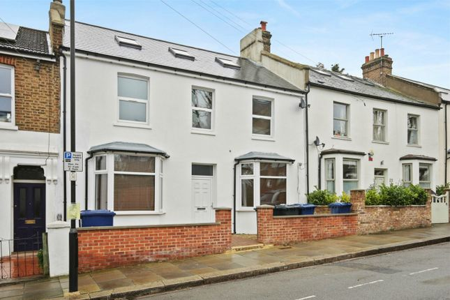 Thumbnail Flat to rent in Brougham Road, London