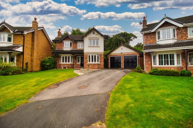 3 bed detached house to rent in Fountains Close, Middlewich CW10