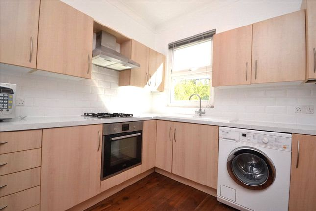 2 bed flat to rent in Sydney Road, Muswell Hill, London