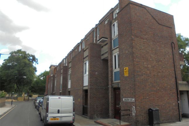 Thumbnail Shared accommodation to rent in Walter Street, Bethnal Green