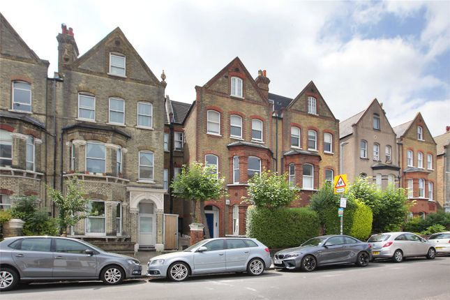 Picture No. 15 of Malwood Road, Clapham South, London SW12