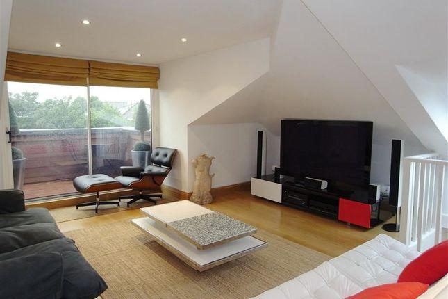 Thumbnail Flat to rent in Belsize Square, Belsize Park, London