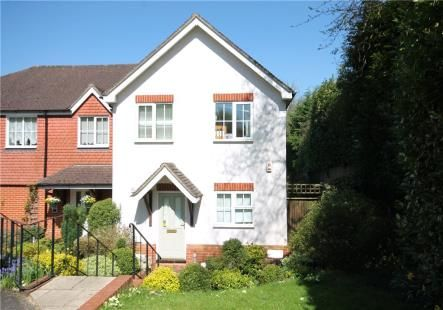 Thumbnail Semi-detached house to rent in Corner Farm Close, Tadworth