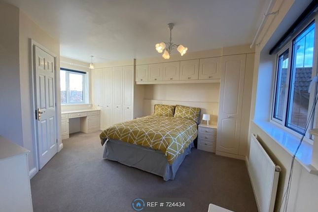 Thumbnail Room to rent in Queensbury Chase, Littleover, Derby