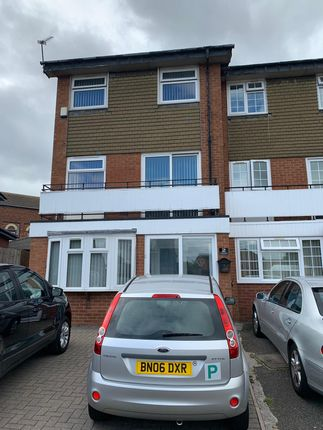 Thumbnail Semi-detached house to rent in Lynton Avenue, Birmingham