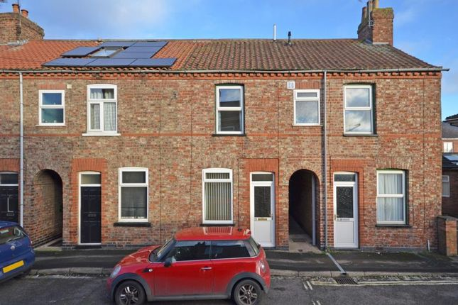 2 bed terraced house to rent in Hawthorn Street, York YO31