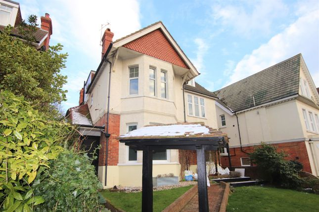 Flat to rent in Upper Sea Road, Bexhill-On-Sea