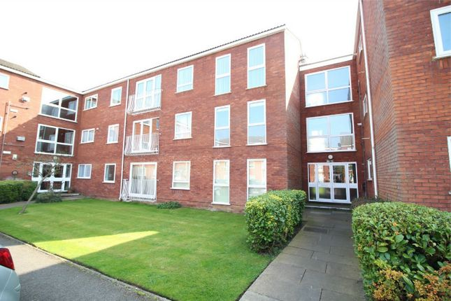 Thumbnail Flat for sale in Roundhedge Way, Enfield, Middlesex
