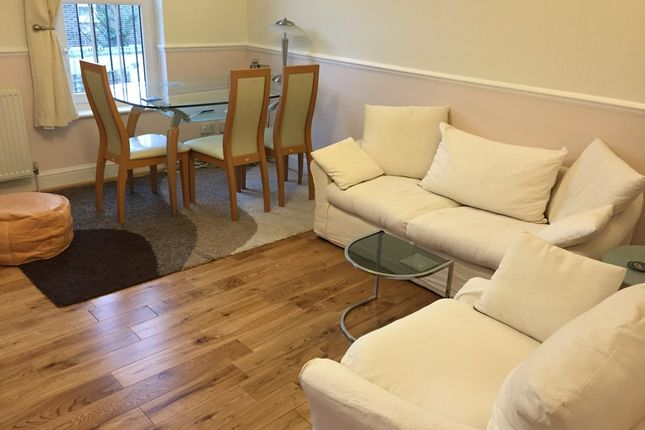 Thumbnail Town house to rent in Trundleys Road, London