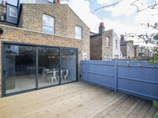 Thumbnail Shared accommodation to rent in Adelaide Road, West Ealing, London