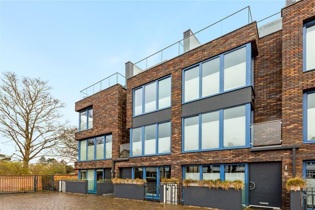 Thumbnail Detached house for sale in Chestnut Walk, Stratford-Upon-Avon