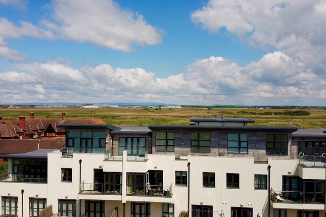 Thumbnail Flat for sale in Clifton Drive North, St. Annes, Lytham St. Annes