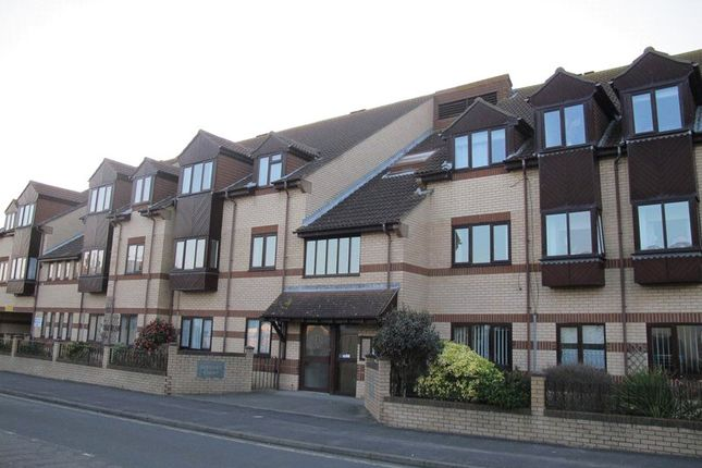 Thumbnail Flat to rent in Berkeley Court, Lee-On-The-Solent, Hampshire
