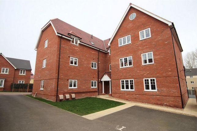 Thumbnail Flat for sale in Hogarth Court, Sible Hedingham, Halstead, Essex