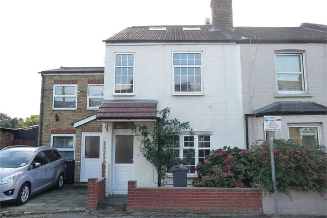 Thumbnail Terraced house for sale in Temple Road, Hounslow