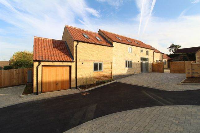 Thumbnail Barn conversion for sale in Maypole Close, Castle Bytham, Grantham