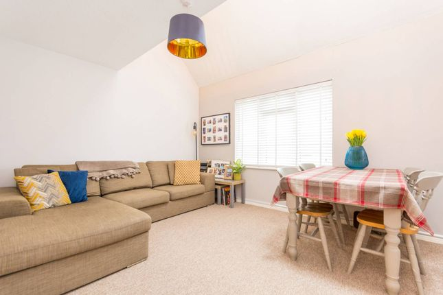 2 bed maisonette for sale in Ladygrove Drive, Burpham, Guildford GU4