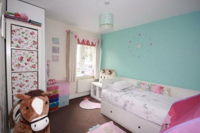 Bedroom of Oliver Fold Close, Worsley, Manchester M28