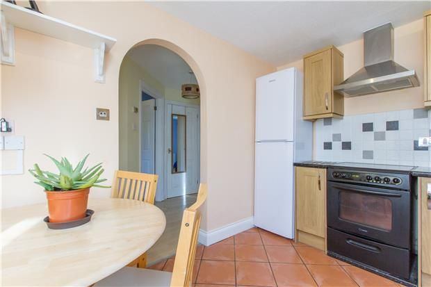 Thumbnail Flat to rent in Challenor Close, Abingdon